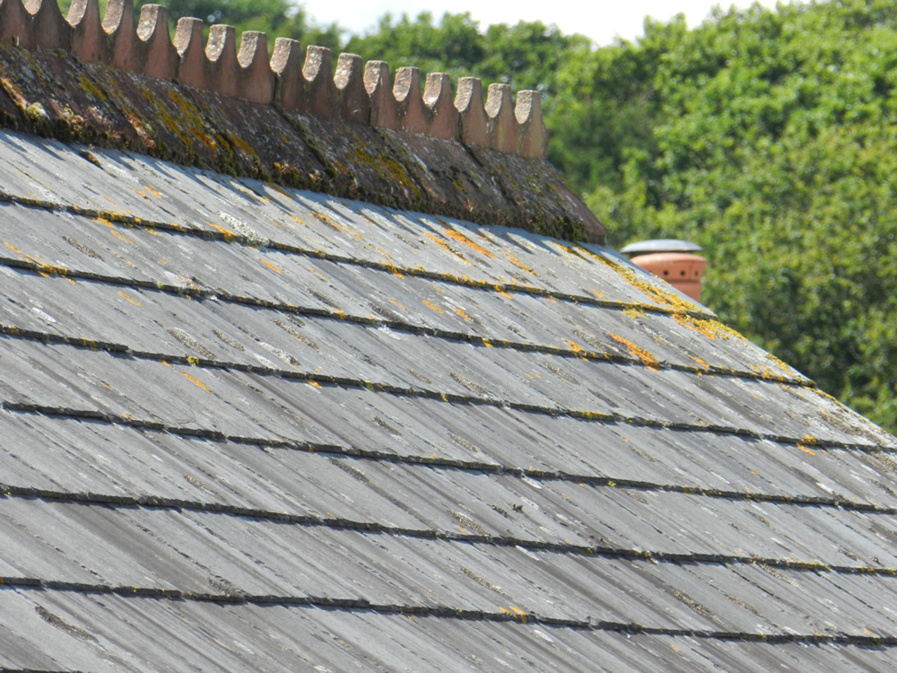 reclaimed roof tiles and roof slates in devon and cornwall